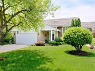 155 Briarwood North Oak Brook IL, 60523