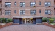 110-45 71st Road 2e Forest Hills NY, 11375