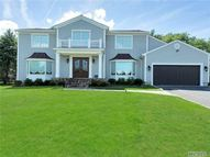 38 Woods Dr Roslyn NY, 11576