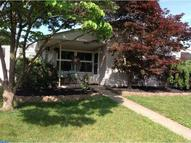 85 Crabtree Dr Levittown PA, 19055