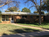 910 Nw 12th St Andrews TX, 79714