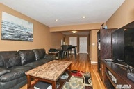 4 Birchwood Ct 5b Mineola NY, 11501