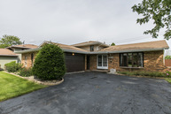 2310 Sandridge Court Lynwood IL, 60411