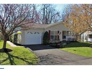 544 Greentree Dr New Hope PA, 18938