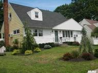 142 Radcliff Dr East Norwich NY, 11732