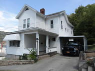 513 4th Ave Hinton WV, 25951
