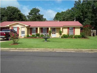 610 10th Ave Magee MS, 39111