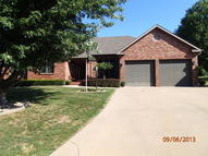 16 Chadwick Ln Country Club MO, 64506