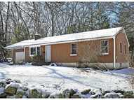 369 Oakwoods Dr South Kingstown RI, 02879