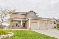 4747 Woodhaven Dr S Fargo ND, 58104