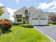 27 Spinnaker Ln East Patchogue NY, 11772