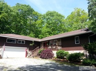 154 Sherwood Forest Burnsville NC, 28714