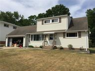 2398 Stanford Dr Wickliffe OH, 44092