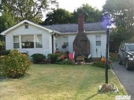 4 E Jackwill Rd East Patchogue NY, 11772