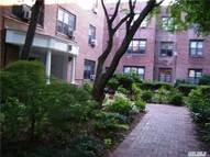 2 Townhouse Cir 2n Great Neck NY, 11021
