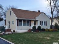 46 Clinton Ave East Patchogue NY, 11772
