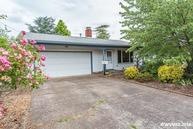 2105 Nw 17th St Corvallis OR, 97330