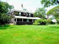 50 Central St Narragansett RI, 02882