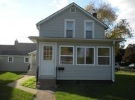 102 S 5th Clinton IA, 52732