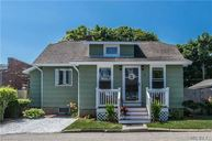 18 Seitz Ct Patchogue NY, 11772