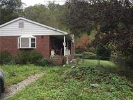 595 Queen Road Clendenin WV, 25045