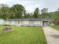 2 Pinewood Circle Saint Albans WV, 25177