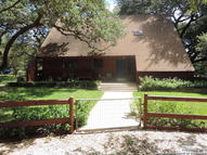 117 Lost Springs Dr Floresville TX, 78114