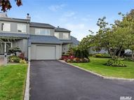 27 Harbour Dr Blue Point NY, 11715