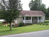 1424 W South Avenue Eden NC, 27288