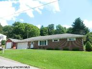 48 Woodlyn Dr Weston WV, 26452