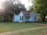 724 S Washington Ave Wellington KS, 67152