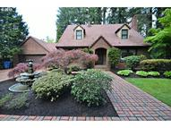 4715 Se River Dr Milwaukie OR, 97267
