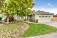 706 Daffney Ln Central Point OR, 97502