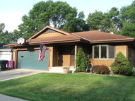 2211 S. Cleveland Sioux City IA, 51106