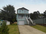 524 Se Jetty Lincoln City OR, 97367