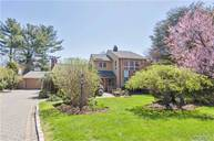 65 Shelter Ln Roslyn Heights NY, 11577