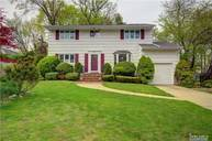 53 North Dr Manhasset Hills NY, 11040