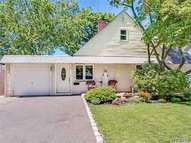 29 Miller Place Levittown NY, 11756