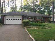 38 Edgemere Dr Albertson NY, 11507