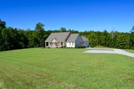 1824 West Courthouse Road Crewe VA, 23930