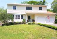 341 Middle Rd Bayport NY, 11705