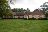 4512 Fairlawn Court Englewood OH, 45322
