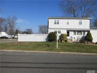 143 Twinlawns Ave Brentwood NY, 11717