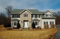 9 Meredith Ct Oak Ridge NJ, 07438