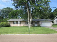 1353 S Salt Pond Ave Marshall MO, 65340