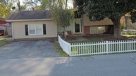 311 W Thomas St Morgantown KY, 42261