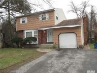 194 Sylvan Rd North Babylon NY, 11703