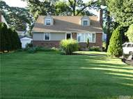 199 Elm St Roslyn Heights NY, 11577
