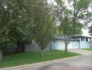 614 W 9th Ave Lennox SD, 57039