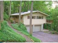 235 Forest Hills Cir Devon PA, 19333
